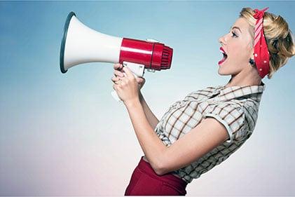 Onlineshop Content Bild - Frau Promotion Onlineshop