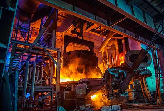 Branchenspezifische Filme Content Bild - Industrie - Stahlwerk Hochofen