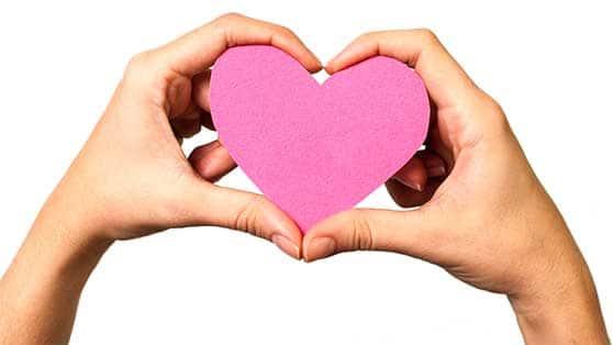 Medien und Werbeagentur Content Bild - Hände mit Herz