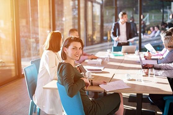 Medien und Werbeagentur Content Bild - Team Besprechung