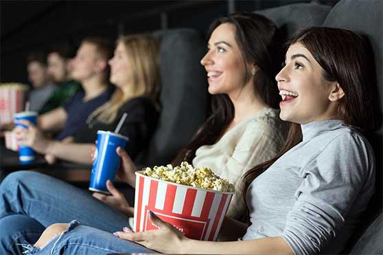 Unternehmensfilm Content Bild - Kino Publikum bei Spot