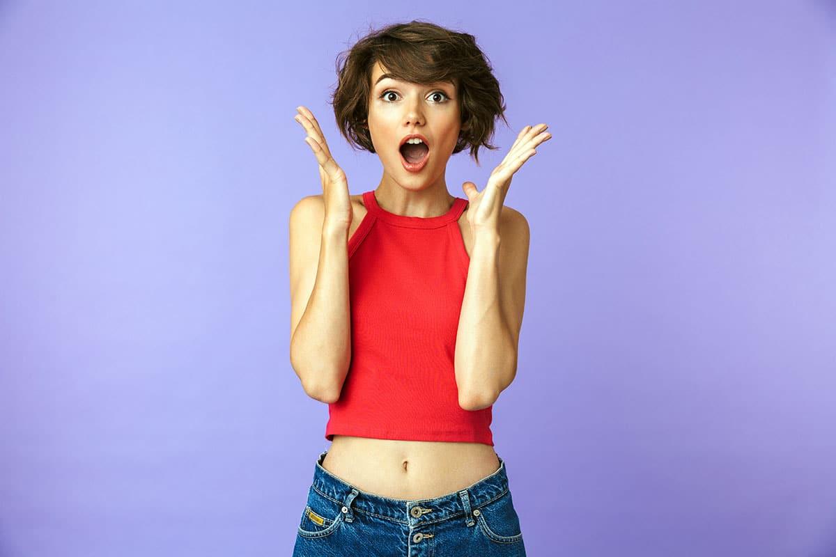Blog - Veränderungen Beste Leistungen zu guten Preisen - Beitragsbild - Frau am staunen